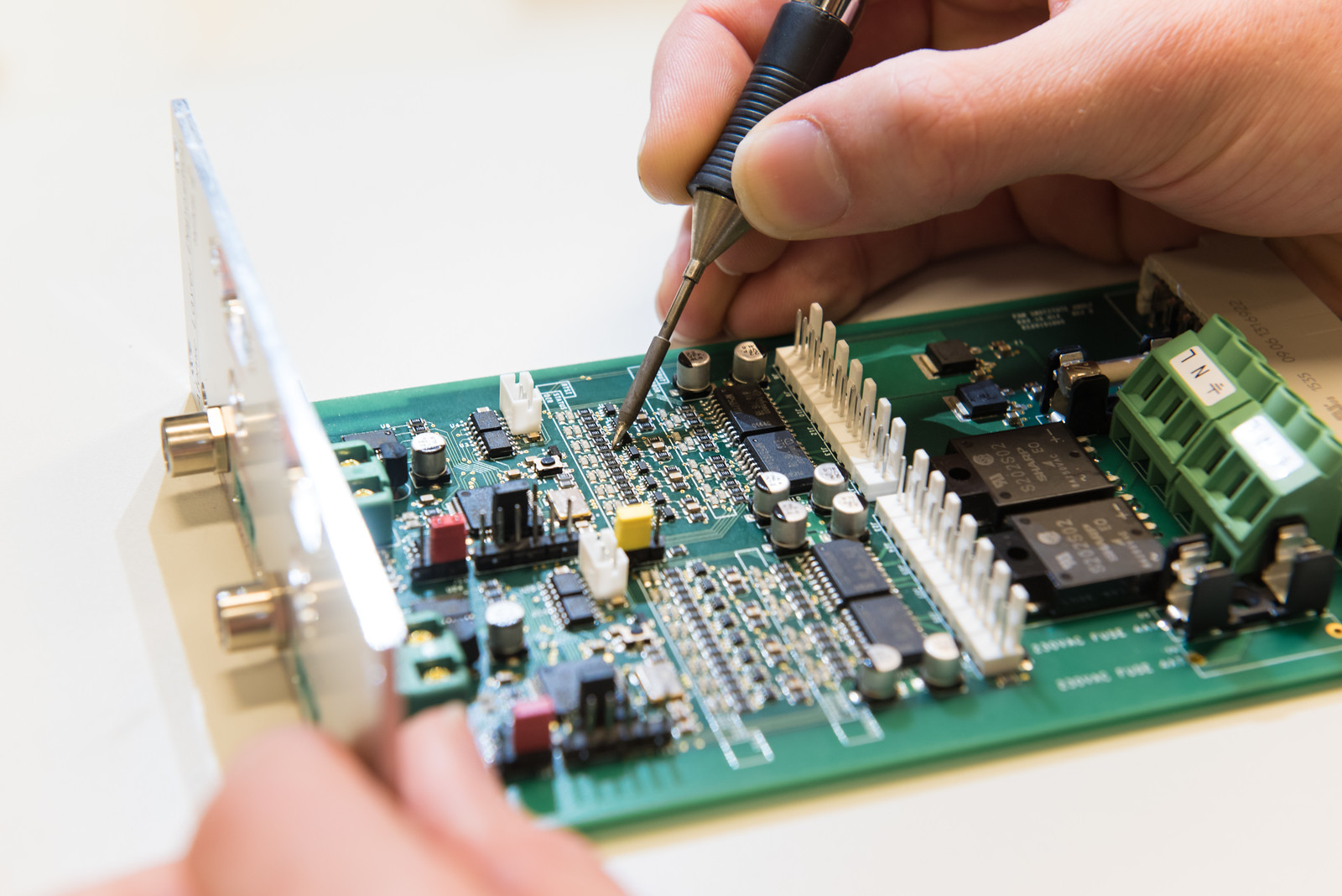 electronics engineering Due to the high education and skill requirements to become an electronics engineer, it is expected that the job market will be very competitive a similar engineering position would be as a geotechnical engineer .