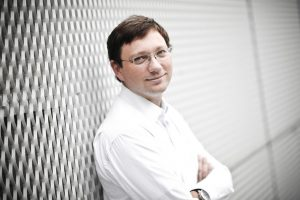 NEDERLAND, AMSTERDAM, 30 AUGUSTUS Dr. A.F. (Femius) Koenderink, hoogleraar Atoom- en molecuulfysica aan de UvA (AMOLF). Foto: Jeroen Oerlemans